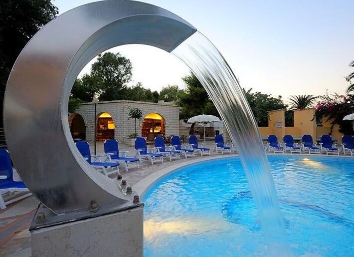 PISCINA HOTEL4.jpg
