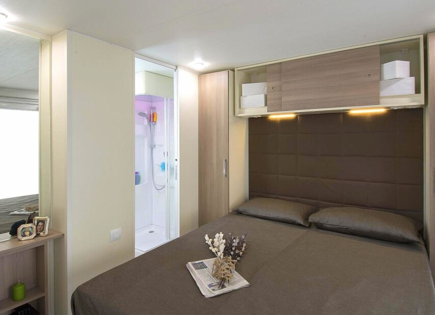 Double room 2 Mobile Home Torre Riviera Superior.jpg