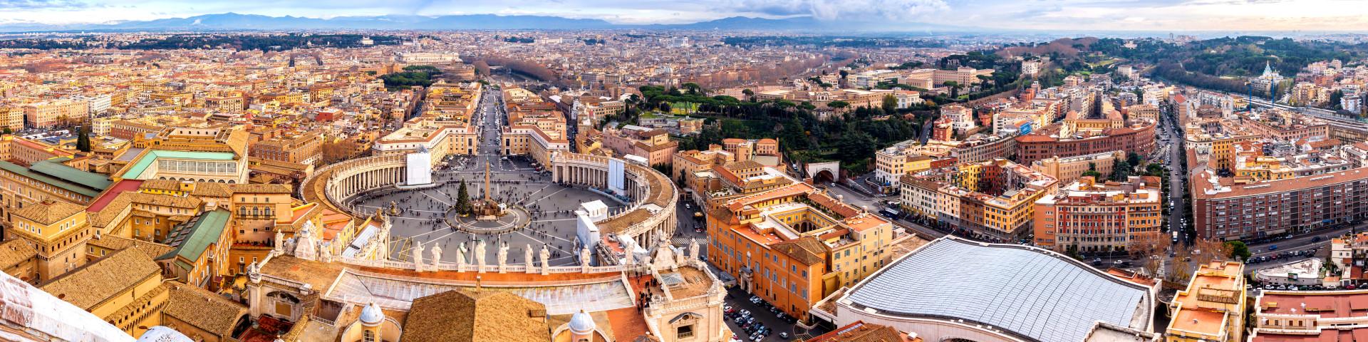 Roma - pohled na náměstí Piazza San Pietro