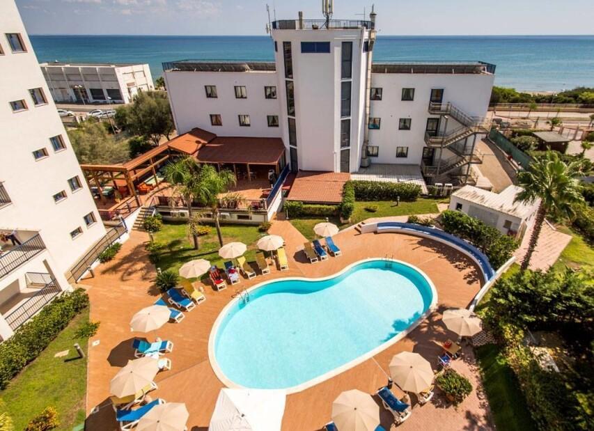 Ticho´s Lido Hotel