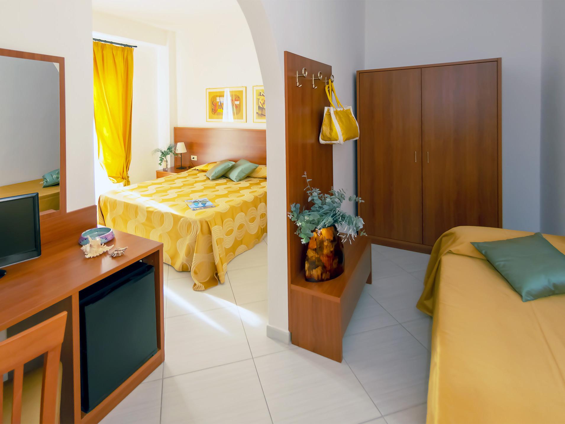 Tripla-Gialla-Hotel-Solaria-2019.jpg