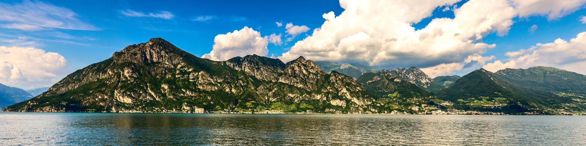Lago d'Iseo, pohled na pohoří Trentapassi