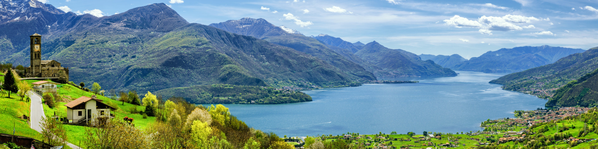 pohled na jezero z kopce Peglio