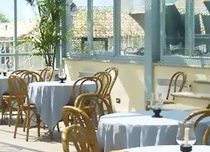 Hotel Lario***