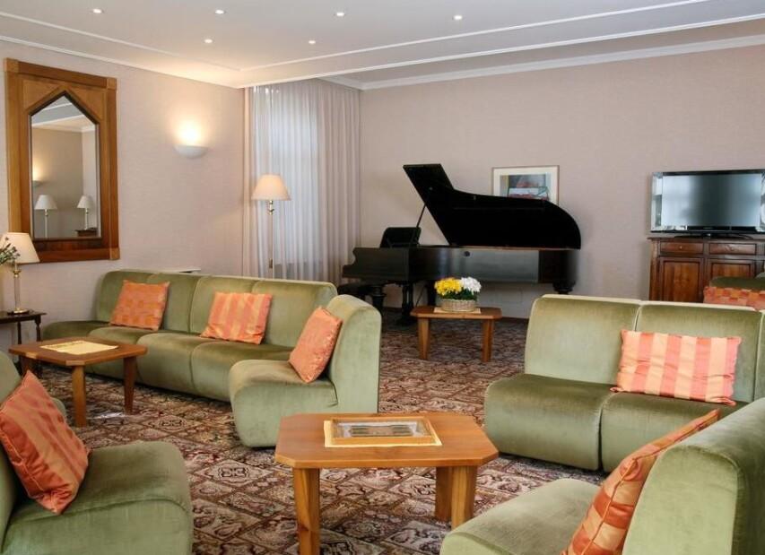 Hotel Moderno***