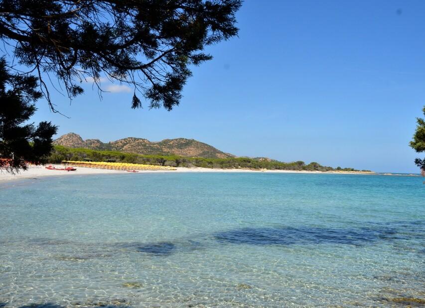 pláž Cala Ginepro