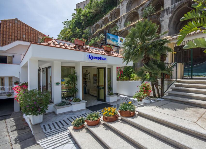 Aparthotel Roccette Mare***