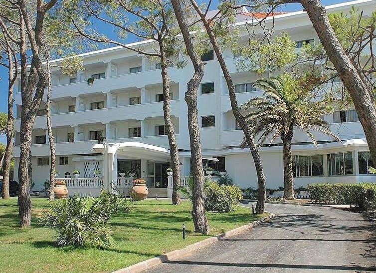 Hotel Domizia Palace****