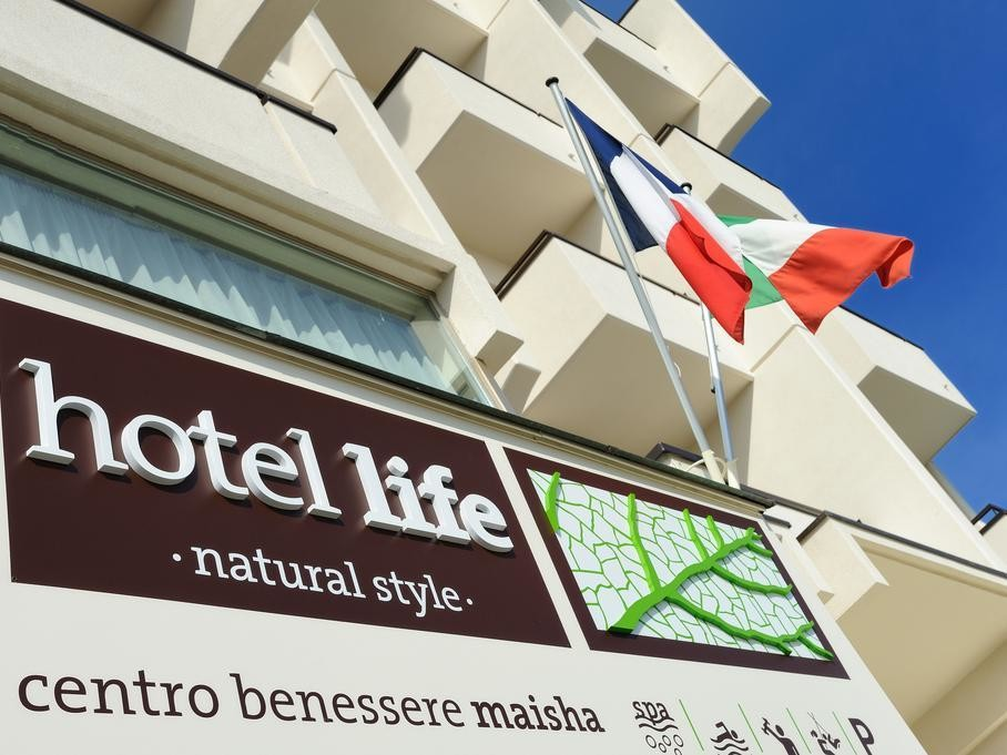 Hotel Life***