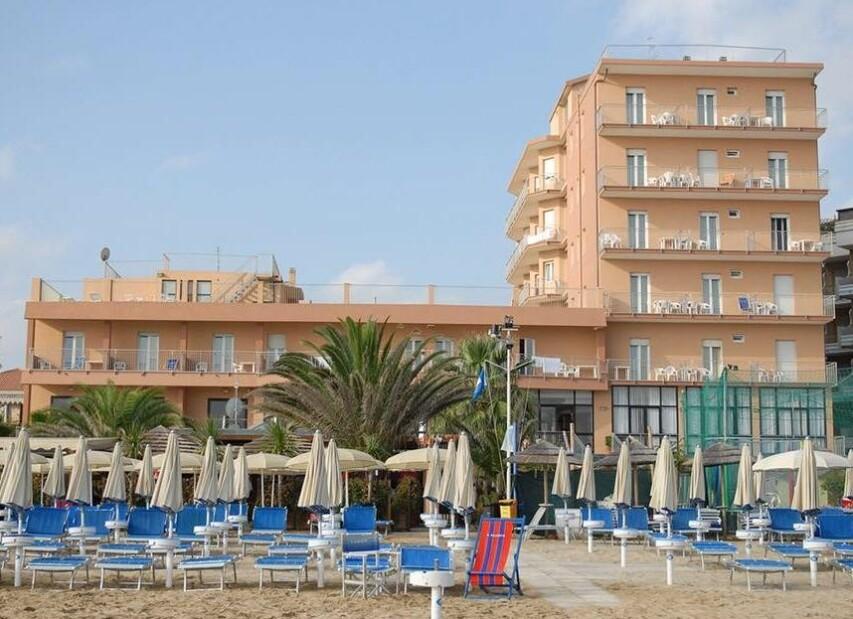 Hotel Astoria Beach***