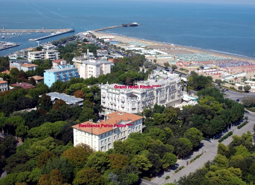 Grand Hotel Rimini***** a Residenza Parco Fellini****