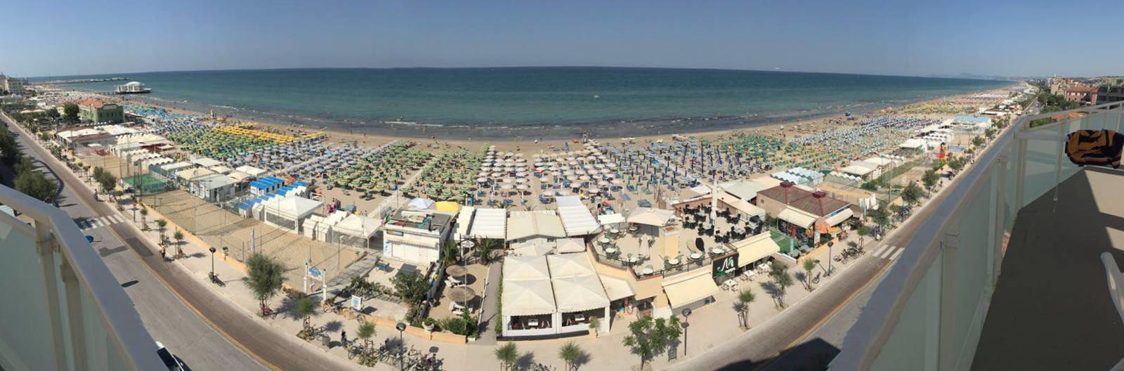 Senigallia, pláž v centru